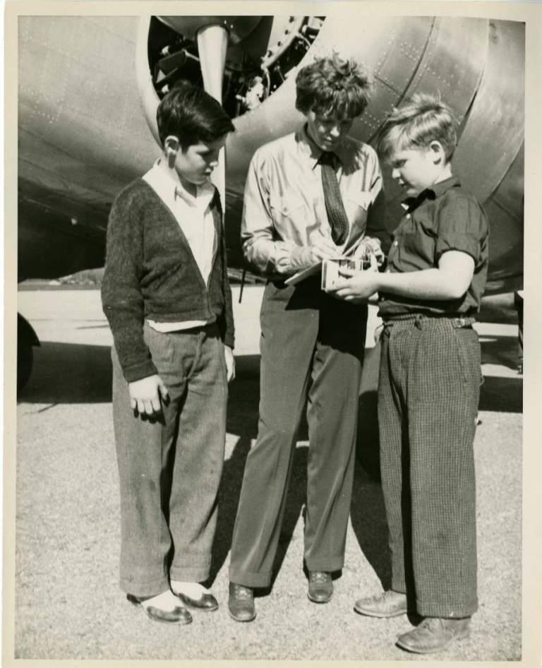 Earhart in washinton, DC museum